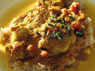 Slow Cooker Chicken Curry with Ginger and Yogurt
